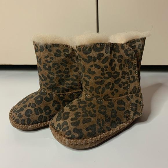 uggs leopard